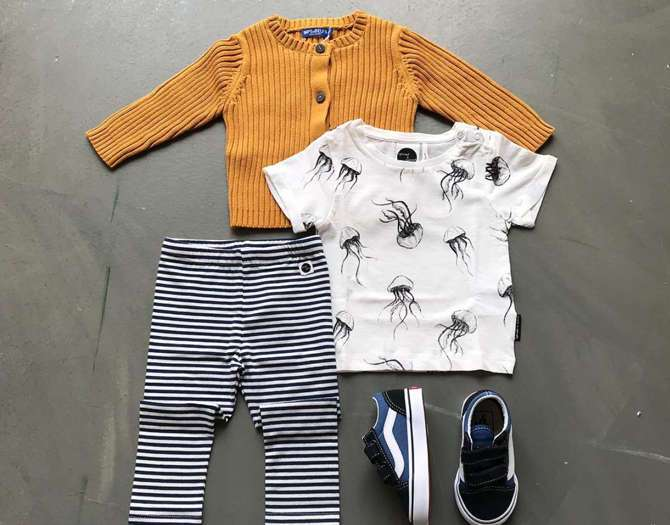 SHOP THE LOOK: UNISEX BABY OUTFIT