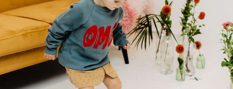 LITTLE MAN HAPPY: DE 'OMG' SWEATER VAN FLO
