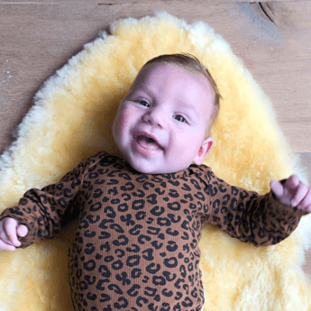 BABY MINK IN MUSTHAVE PRINT VAN DEZE WINTER